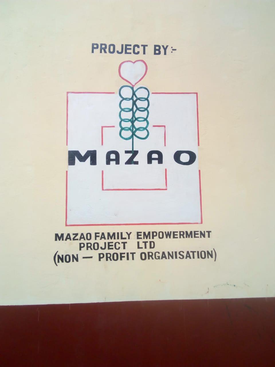Muro UPENDO JUNIOR SCHOOL con logo MAZAO